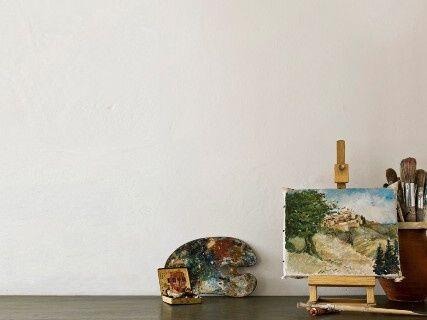Farba na stenu Annie Sloan old white.