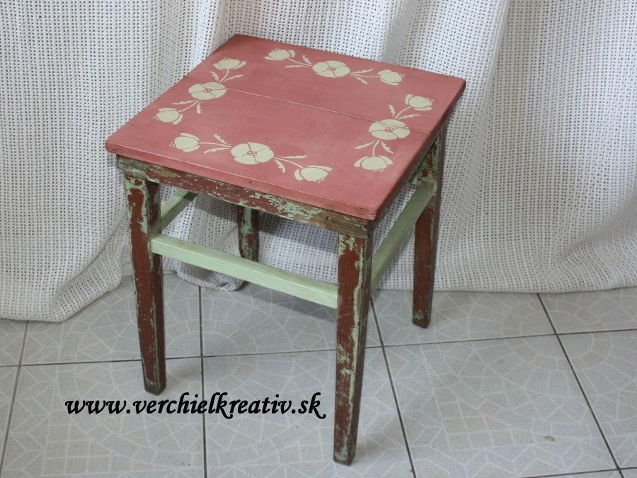 zachránený stolček