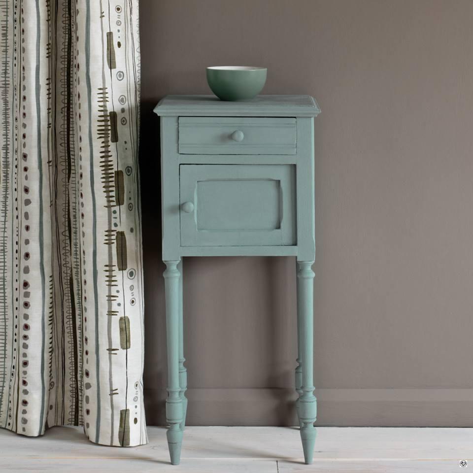 Kriedová farba na nábytok, interiér Annie Sloan svenska blu.