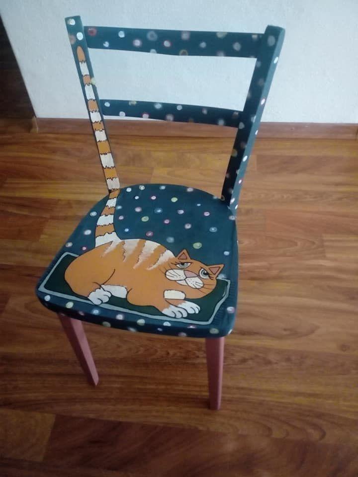 Stolička maľovaná kriedovou farbou nanábytok Annie Sloan.